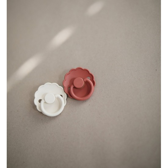 FRIGG Daisy Silicone Pacifier (Dusty Rose) 6-18m