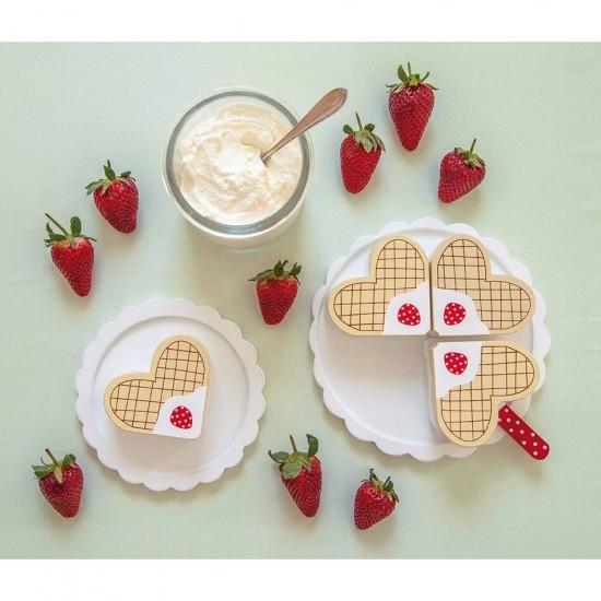 Jabadabado Ξύλινη τούρτα βάφλας με φράουλες